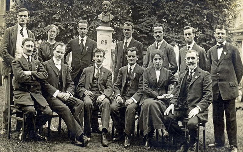 Les membre du Conseil d'administration de la Fraternelle d'Asnières en 1920