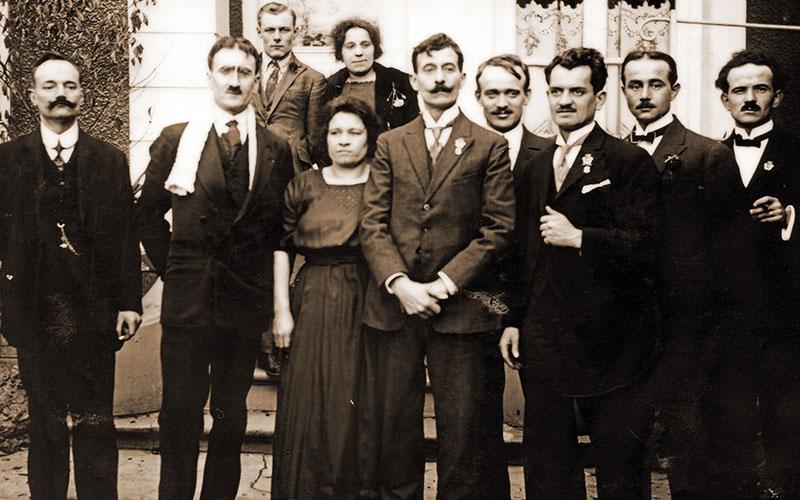 Les membres du Conseil d'administration de la Fraternelle d'Asnières en 1922
