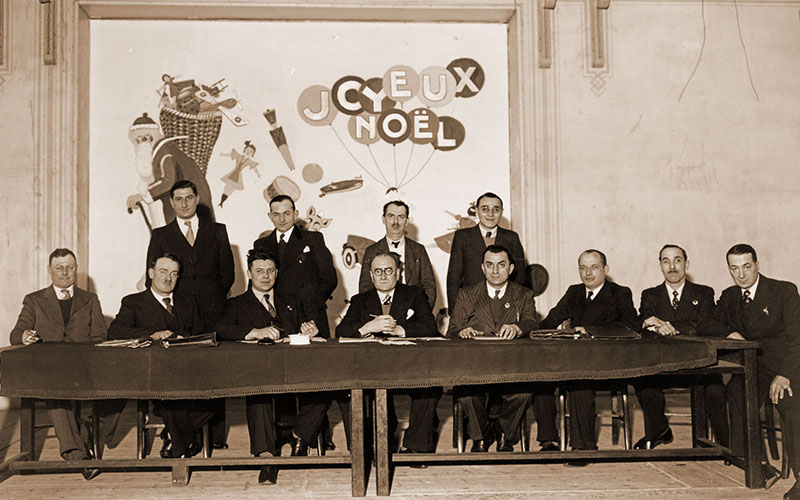 Les membres du Conseil d'administration de la Fraternelle d'Asnières en 1937