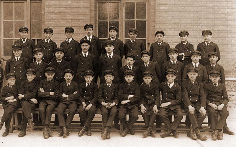 Les uniformes garçons en 1930