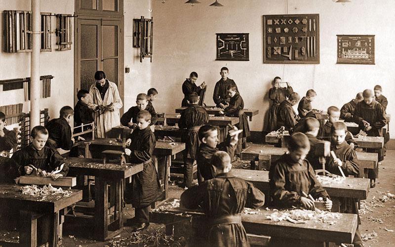 Atelier de menuisier en 1910