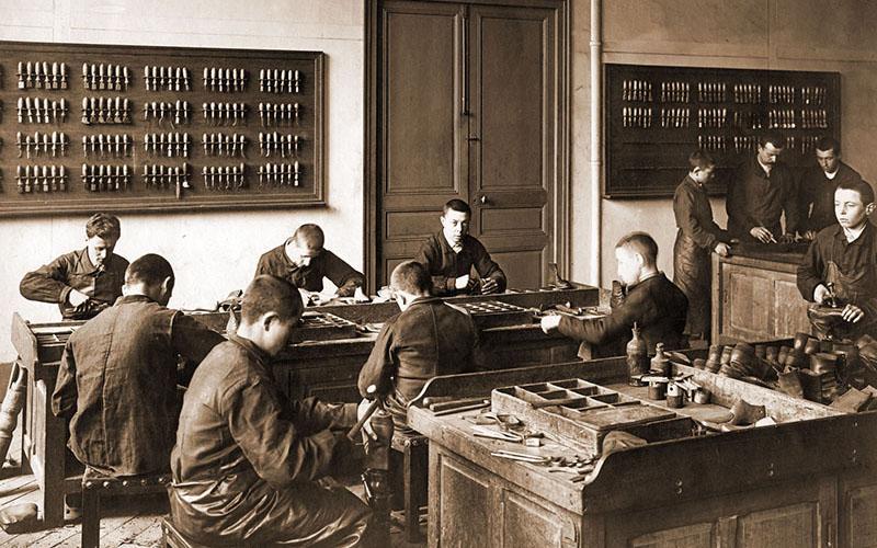 Atelier de cordonnier en 1933
